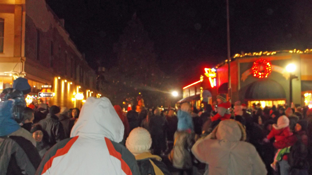 Williams Mayor John Moore and Santa Clause countdown to the lighting of the tree with the crowd.